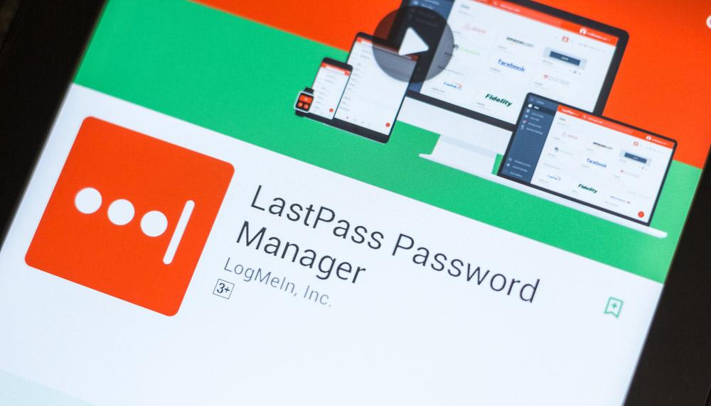 La page du magasin d'applications Google Play pour le gestionnaire de mots de passe LastPass sur l'écran d'un téléphone Android.