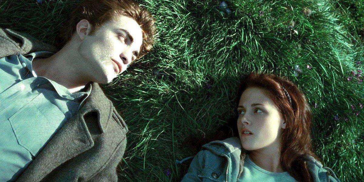 Robert Pattinson and Kristen Stewart in Twilight