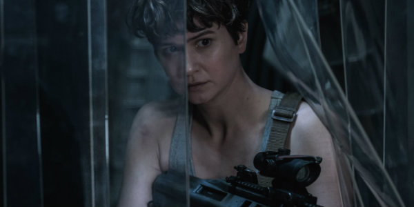 Katherine Waterston looking badass in Alien Covenant