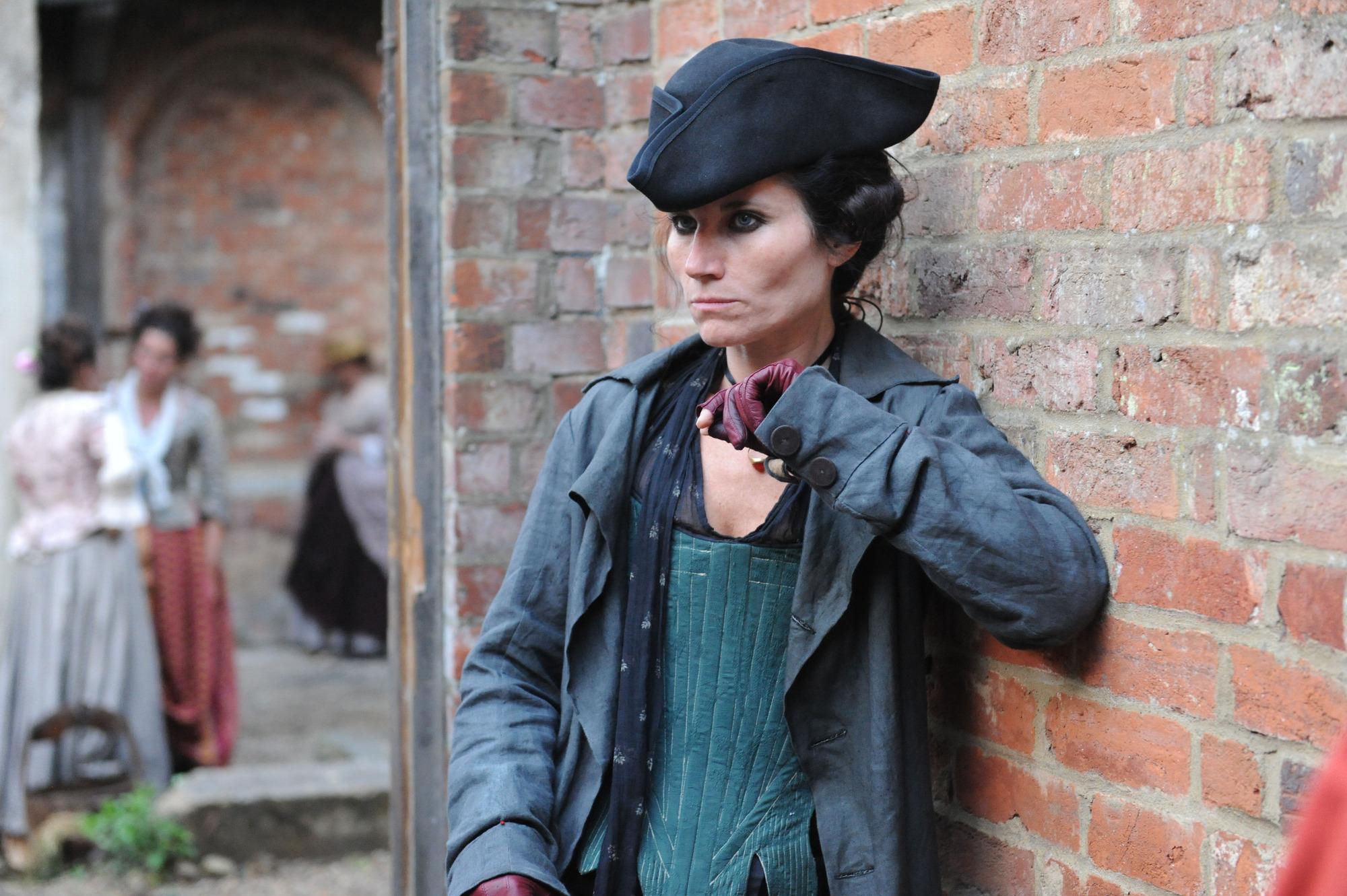 Kate Fleetwood como Nancy Birch