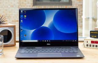 Lo mejor para diseñadores: Dell Inspiron 13 7000 2-in-1 Black Edition