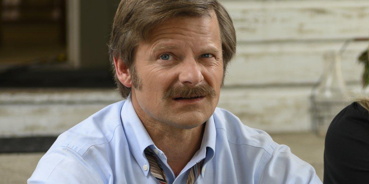 Uncle Frank Steve Zahn (Mike Bledsoe)