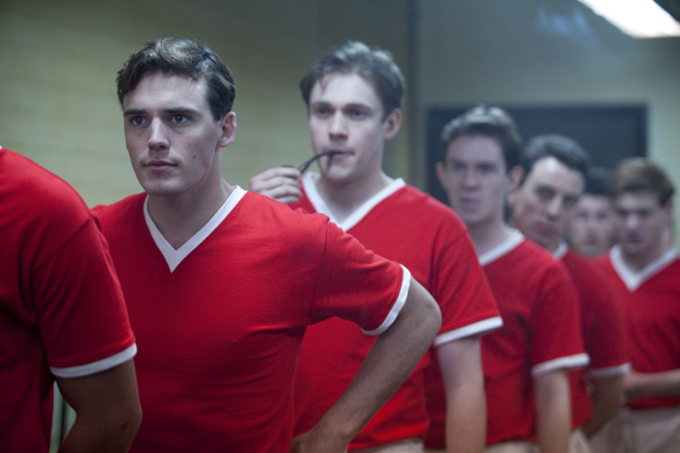 Sam Claflin describes playing a Man United legend | News | TV News ...