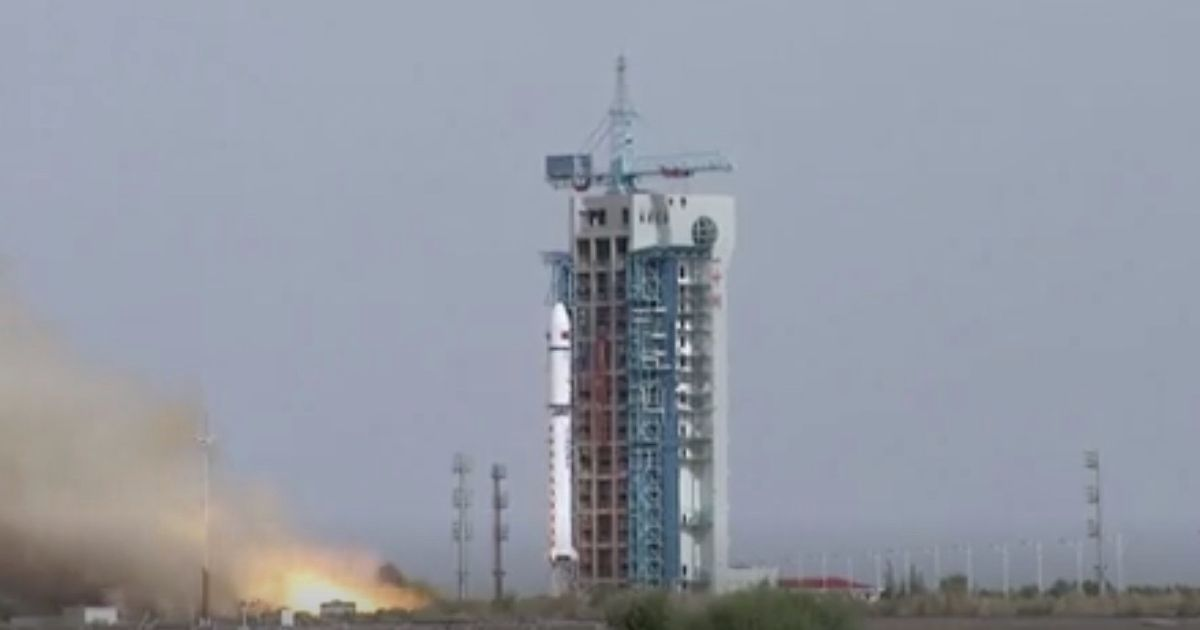 China launches 2 rockets in 2 days, lofting 4 satellites to orbit