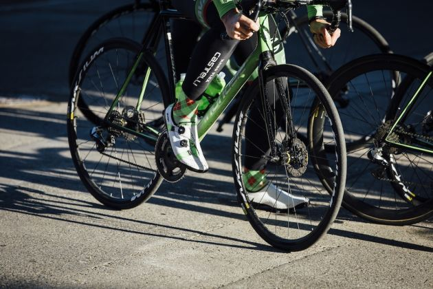 bc987fef2 Cannondale-Drapac pros use disc brakes at Strade Bianche despite pressure  from peloton