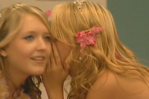 Big Brother: Telepathic twins win party