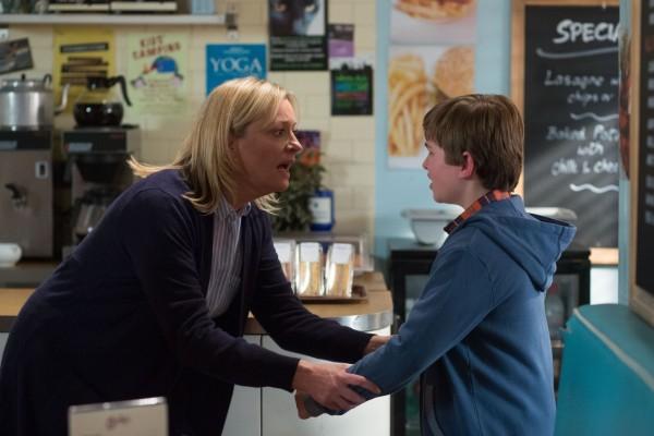 Jane talks to Bobby in EastEnders