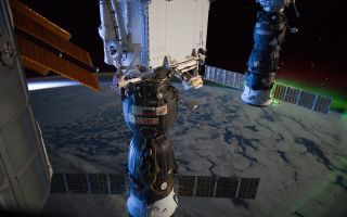 Astronauts Spy Southern Lights and Daybreak from Space