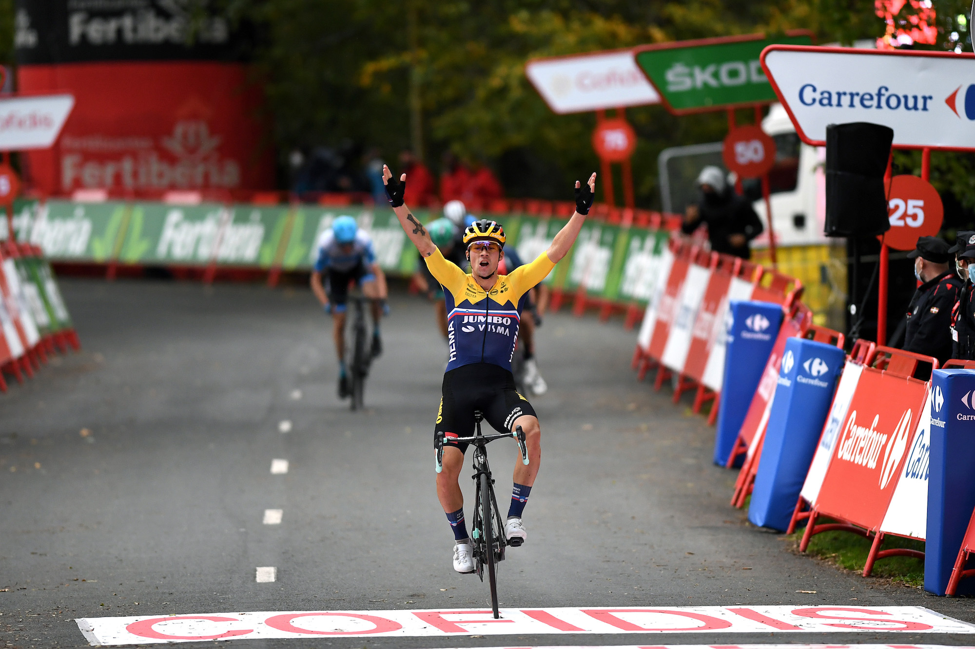 Primož Roglič powers to victory on stage one of the Vuelta a España 2020 - Cycling Weekly