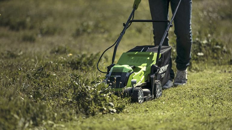 Greenworks lawn mower deals