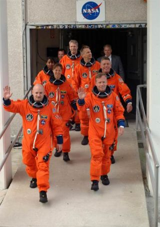 STS-121 Astronauts Practice Launch Abort and Escape Plans