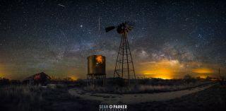 2015 Lyrid Meteors Seen Outside of Tucson, Arizona