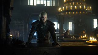 Henry Cavill som Geralt of Rivia.