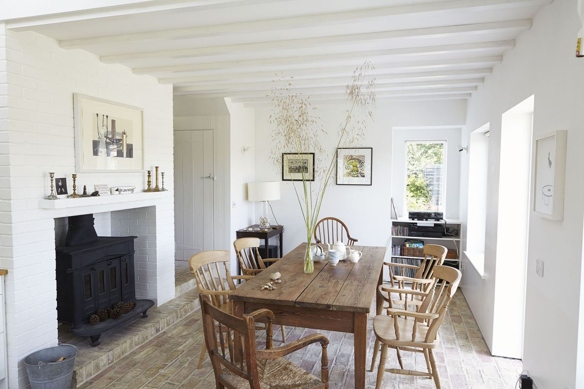 Take a look around this coastal 1930s weatherboarded cottage