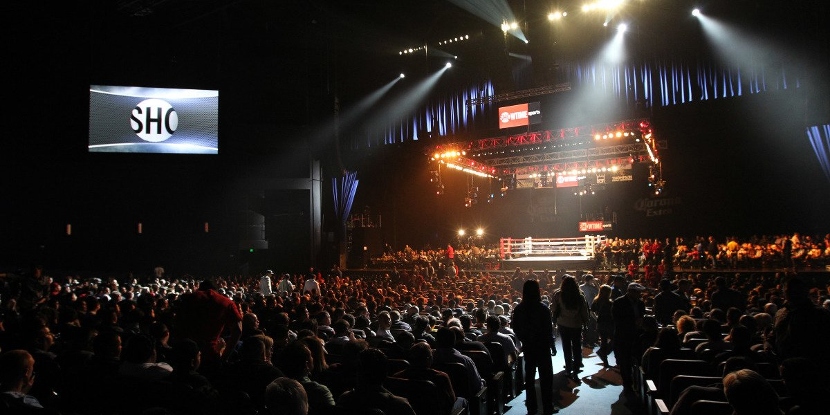The boxing ring is shown from a distance during a Showtime event