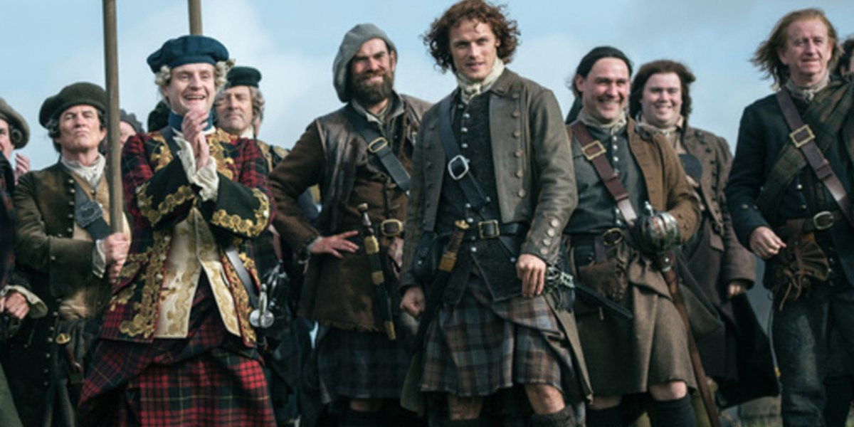 Outlander Star Explains The Perks Of Wearing A Kilt For The Series