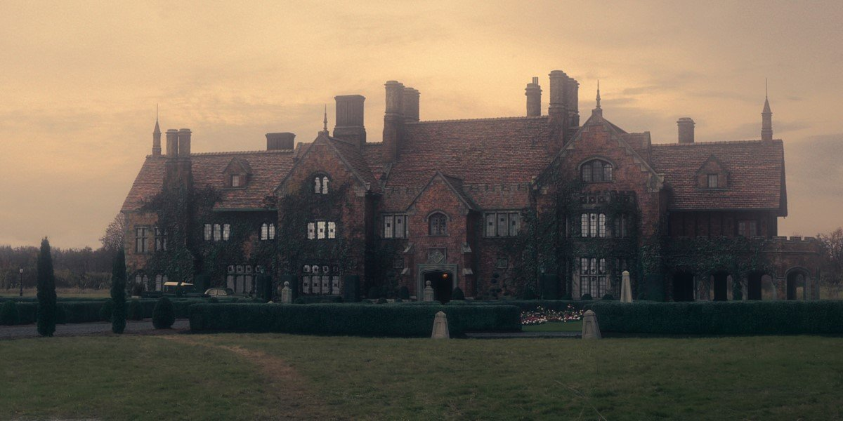 the haunting of bly manor's main house