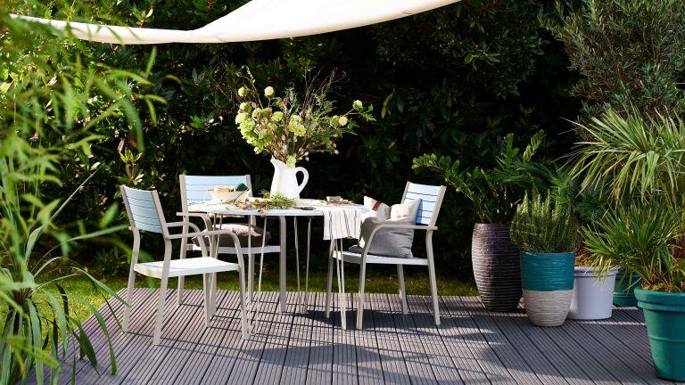 decking ideas: covered seating area cuprinol