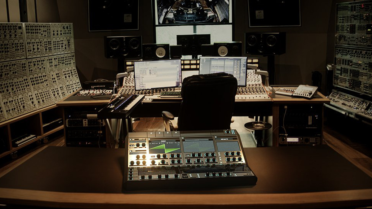 deadmau5 shows off a 'hardware' version of the Serum plugin synth | MusicRadar