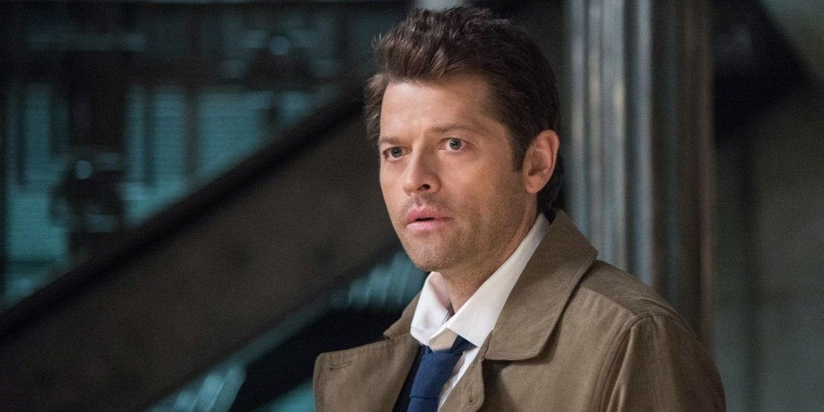 supernatural castiel tells dean he loves him