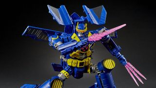 Photos of Transformers Ultimate X-Spanse figure