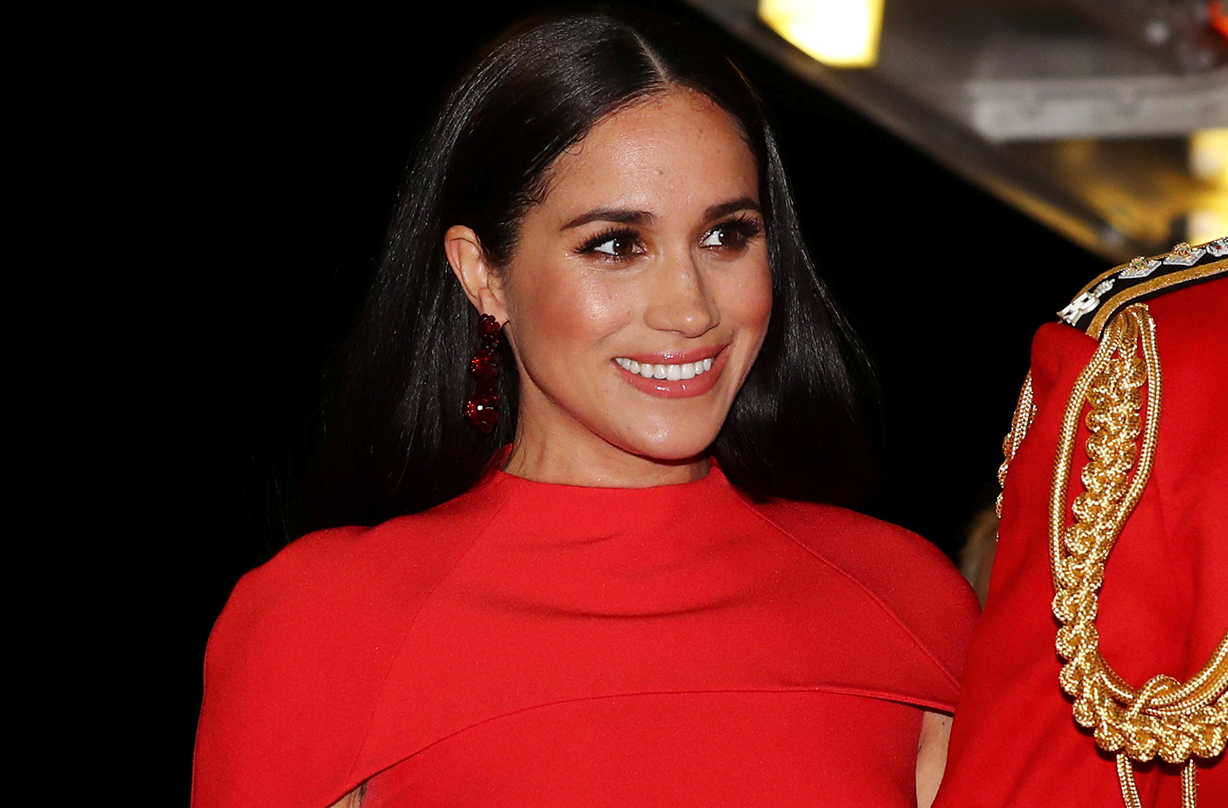 duchess meghan markle sparks new hair trend as demand jumps 170 woman home https www womanandhome com life royal news meghan markle sparks new straight hair trend demand jumps 368604