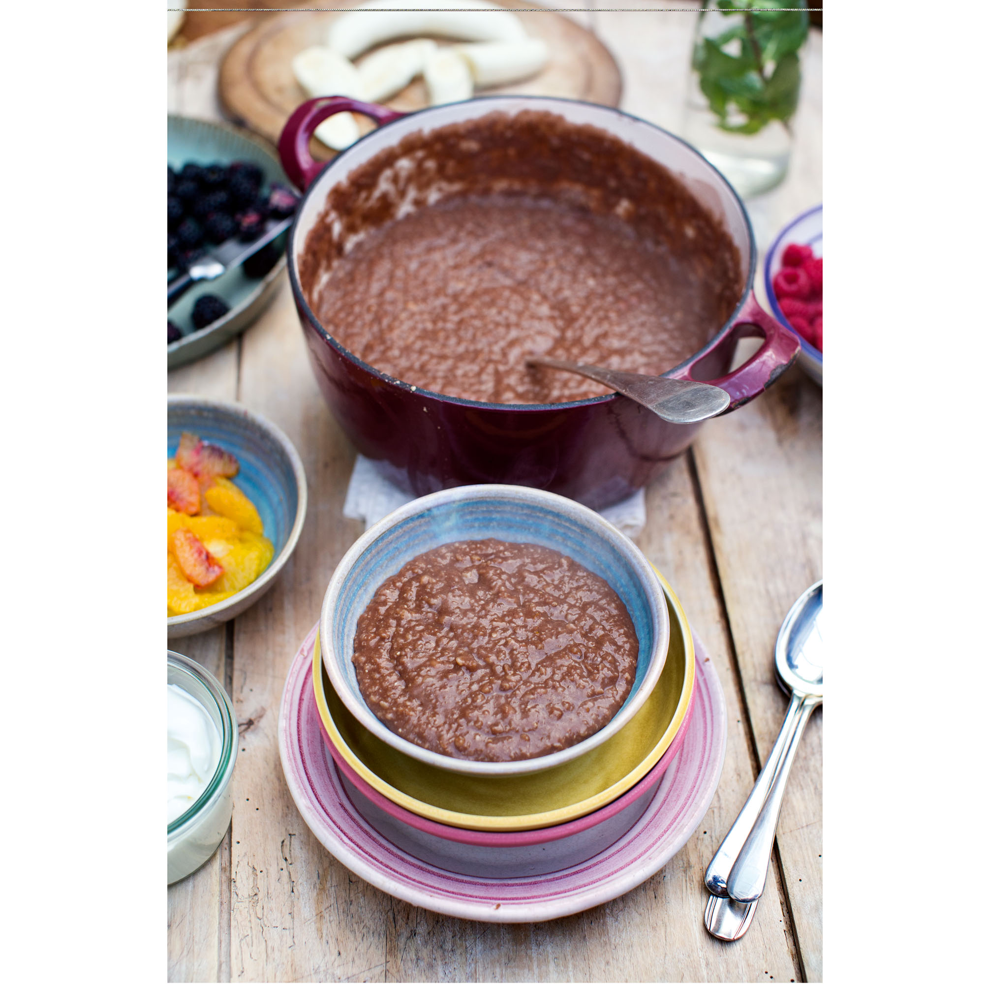 Jamie olivers chocolate porridge greek yoghurt and fresh seasonal jamie olivers chocolate porridge greek yoghurt and fresh seasonal fruit forumfinder Images