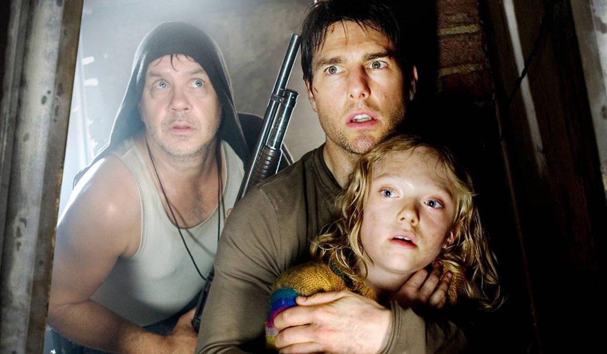 Tim Robbins Tom Cruise Dakota Fanning in War of the Worlds