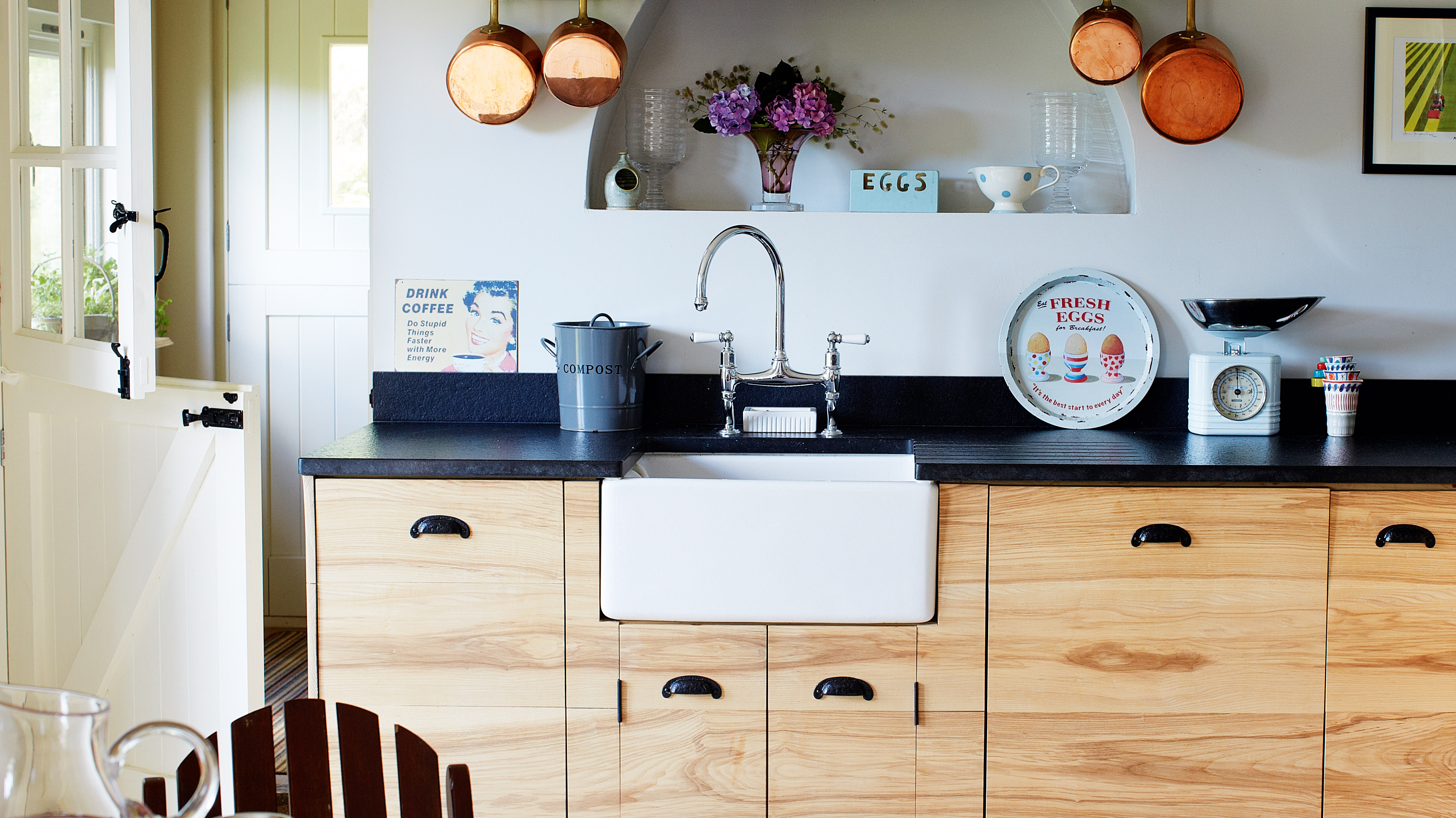 22c254f722e25 Designing a country kitchen: advice and ideas | Real Homes