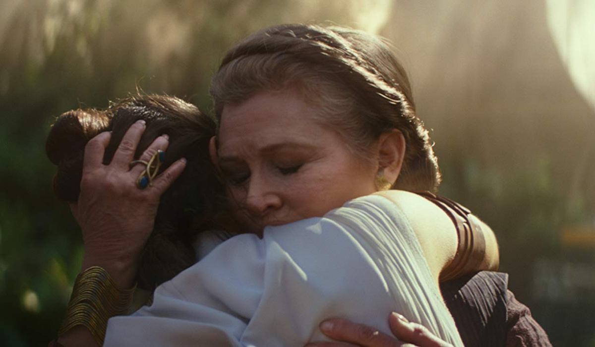 Star Wars: The Rise of Skywalker Leia and Rey hug