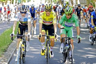 Tour de France 2021 - 108th Edition - 21th stage Chatou - Paris Champs Elysees 108,4 km - 18/07/2021 - Jonas Vingegaard (DEN - Jumbo - Visma) - Tadej Pogacar (SLO - UAE Team Emirates) - Mark Cavendish (GBR - Deceuninck - Quick-Step) - photo Jan De Meuleneir/PN/BettiniPhoto©2021