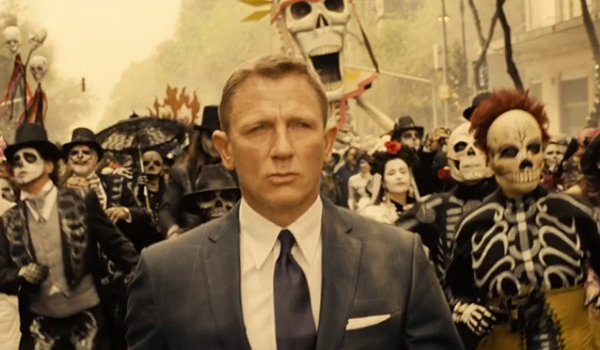 Daniel Craig as James Bond in Mexico City in SPECTRE