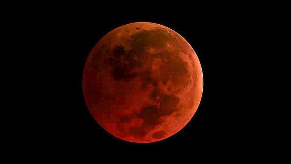 How to photograph May 2021's 'blood supermoon' total lunar eclipse