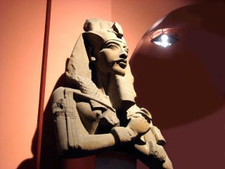 A statue of Akhenaten