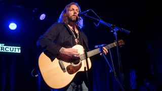 Rich Robinson performs on stage at Sala Apolo on September 25, 2015 in Barcelona, Spain.