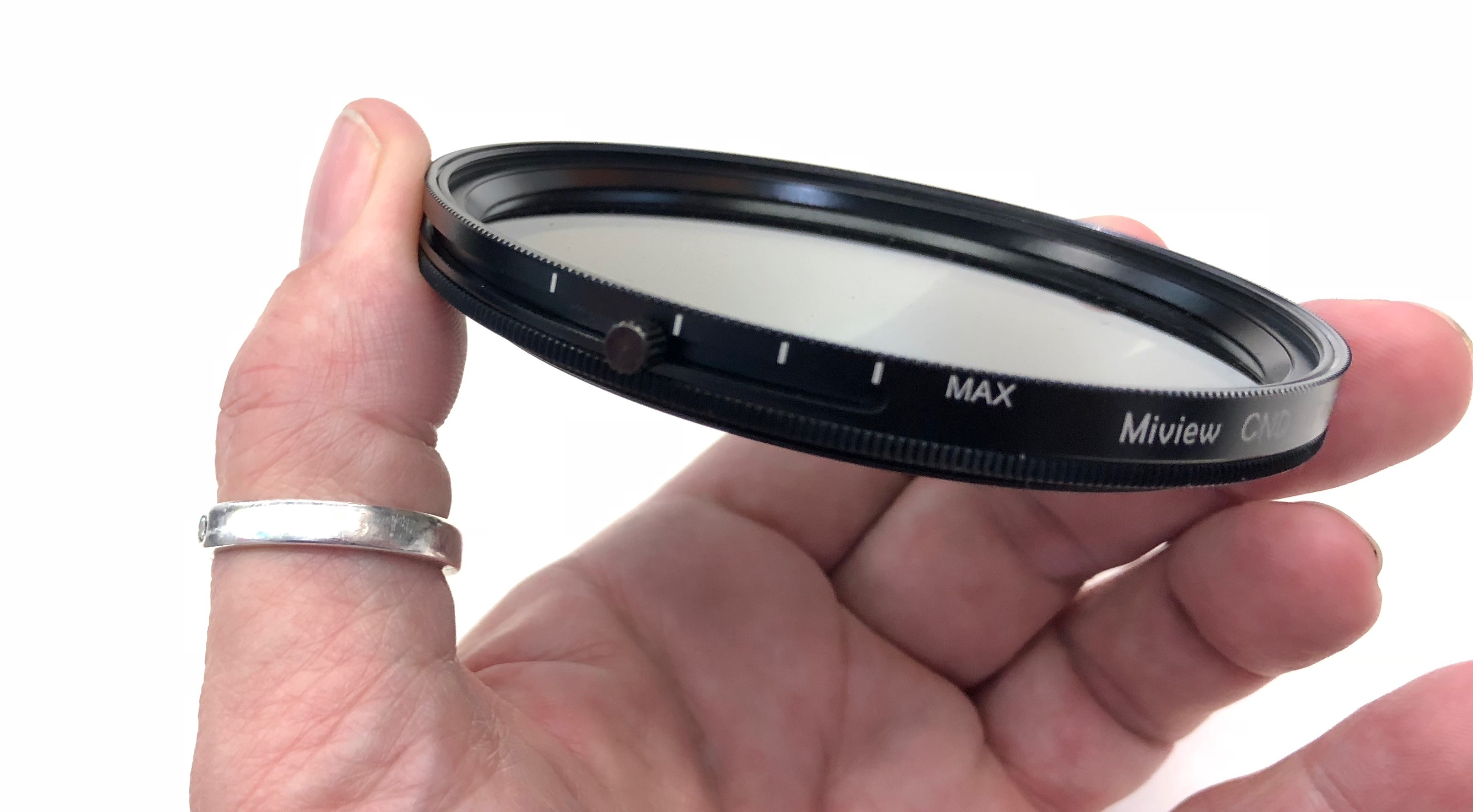 All-in-one polariser and variable ND filter
