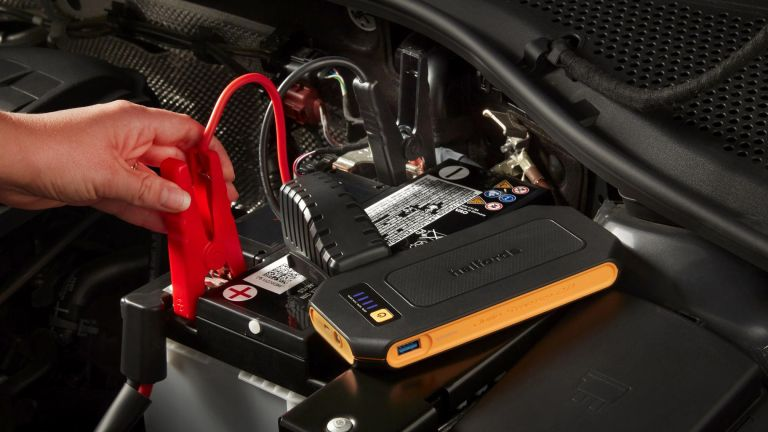 Halfords Advanced Lithium Jump Starter