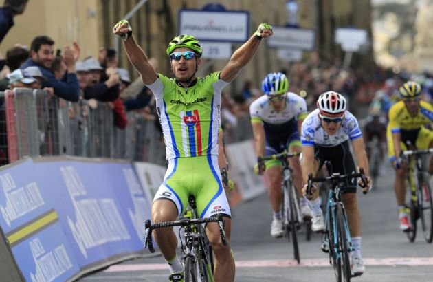 Peter Sagan wins Stage 3 of the 2014 Tirreno Adriatico from Michal Kwiatkowski and Simon Clarke.