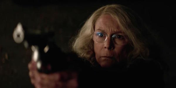 Laurie Strode with a gun in Halloween