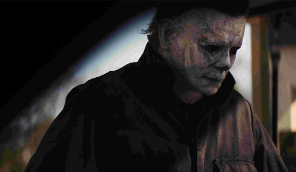 Halloween 2018 Michael Myers retrieves his mask from the trunk