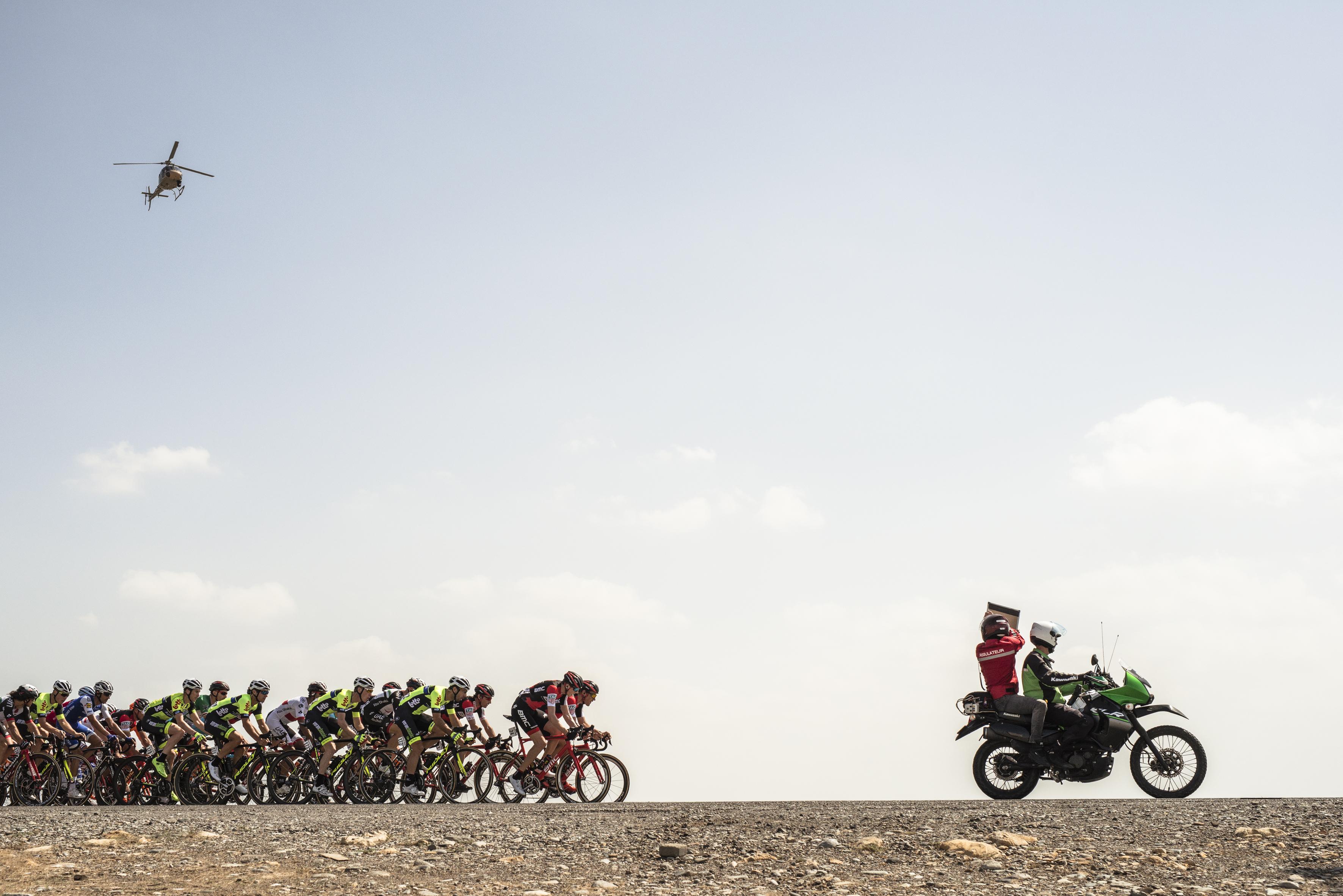 The peloton negotiate the Tour of Oman 2017 route. Image: ASO/K. D. Thorstad
