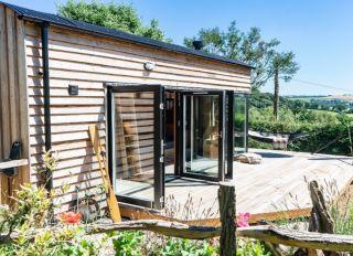 garden office ideas with bifold doors