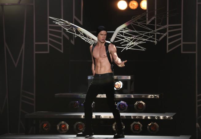 Glee Photos For November Episodes Tease Adam Lambert, Twerking And More #29533