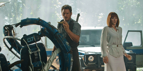 Chris Pratt and Bryce Dallas Howard in Jurassic World