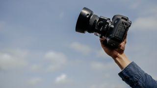 Canon tilt-shift lens with autofocus