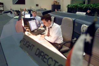 STS-114: Discovery Astronauts, Flight Controllers Simulate ISS Docking