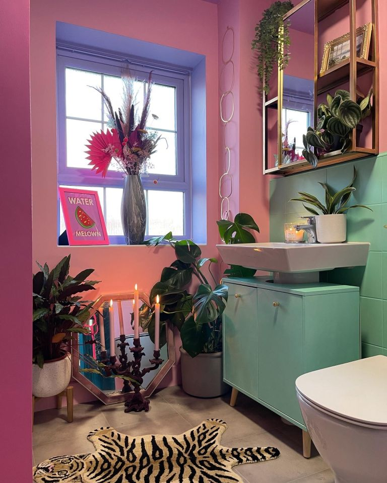 Lauren Hubbard got creative with colour, revamped her bathroom for £350