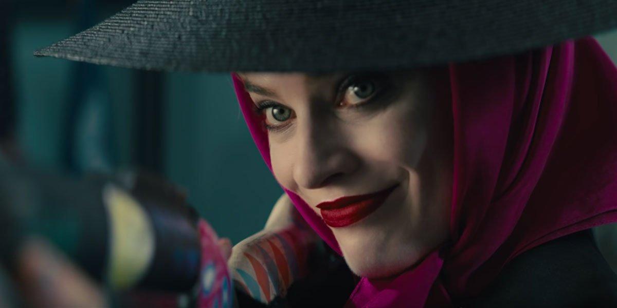 Harley Quinn costume color scheme in Birds of Prey