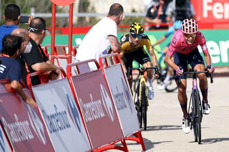 Primož Roglič trying to catch Magnus Cort of stage six of the Vuelta a España 2021