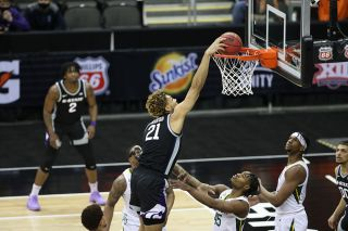 Baylor vs. Kansas State in the 2021 Big XII men's basketball tournament.